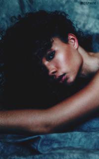 Ashley Moore IQRoioal_o