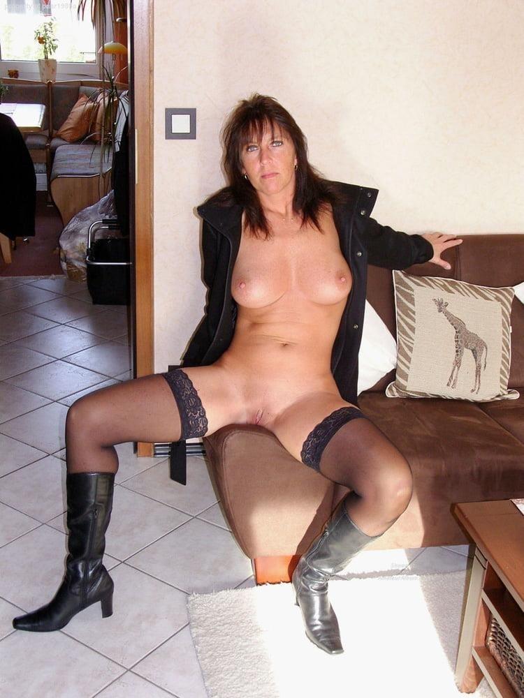 Private mature nude pics-8383