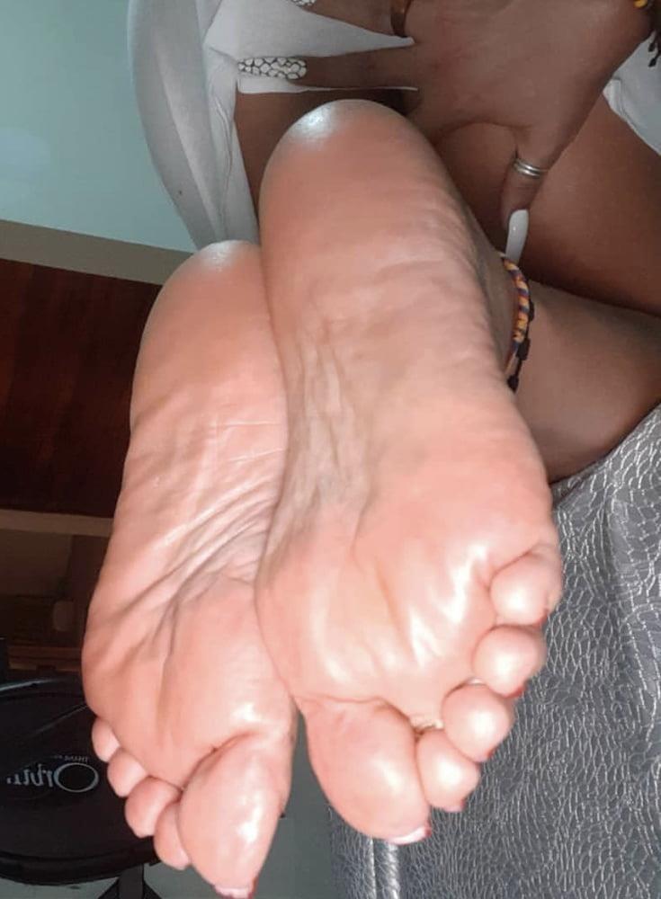 Milf toes porn-8399