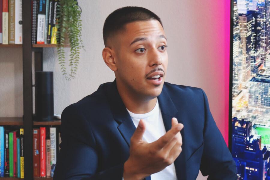 Youtube Entrepreneur Alexander Lorenzo: Billion Dollar Dreams