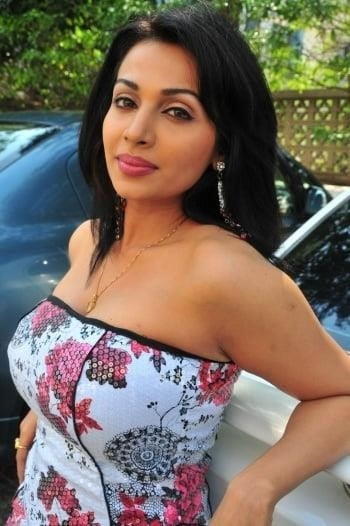 Asha saini hot kiss-3523