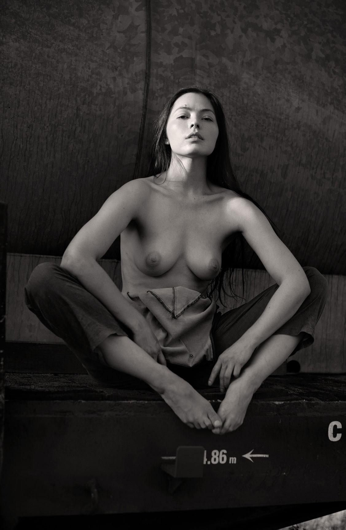 Алина Небула топлес / фото 10