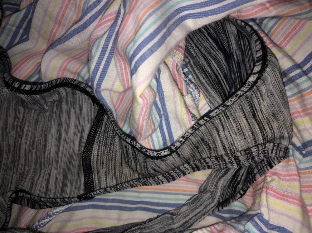 Dirty girls bukkake panty raid 8-5735