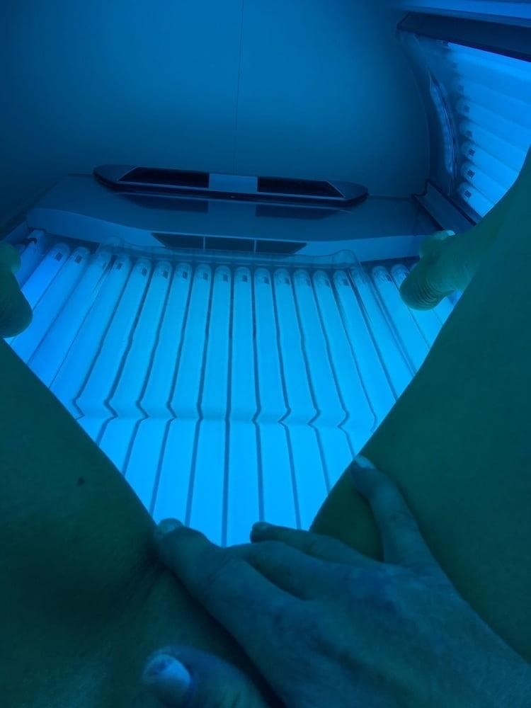 Nude tanning bed selfies-8575