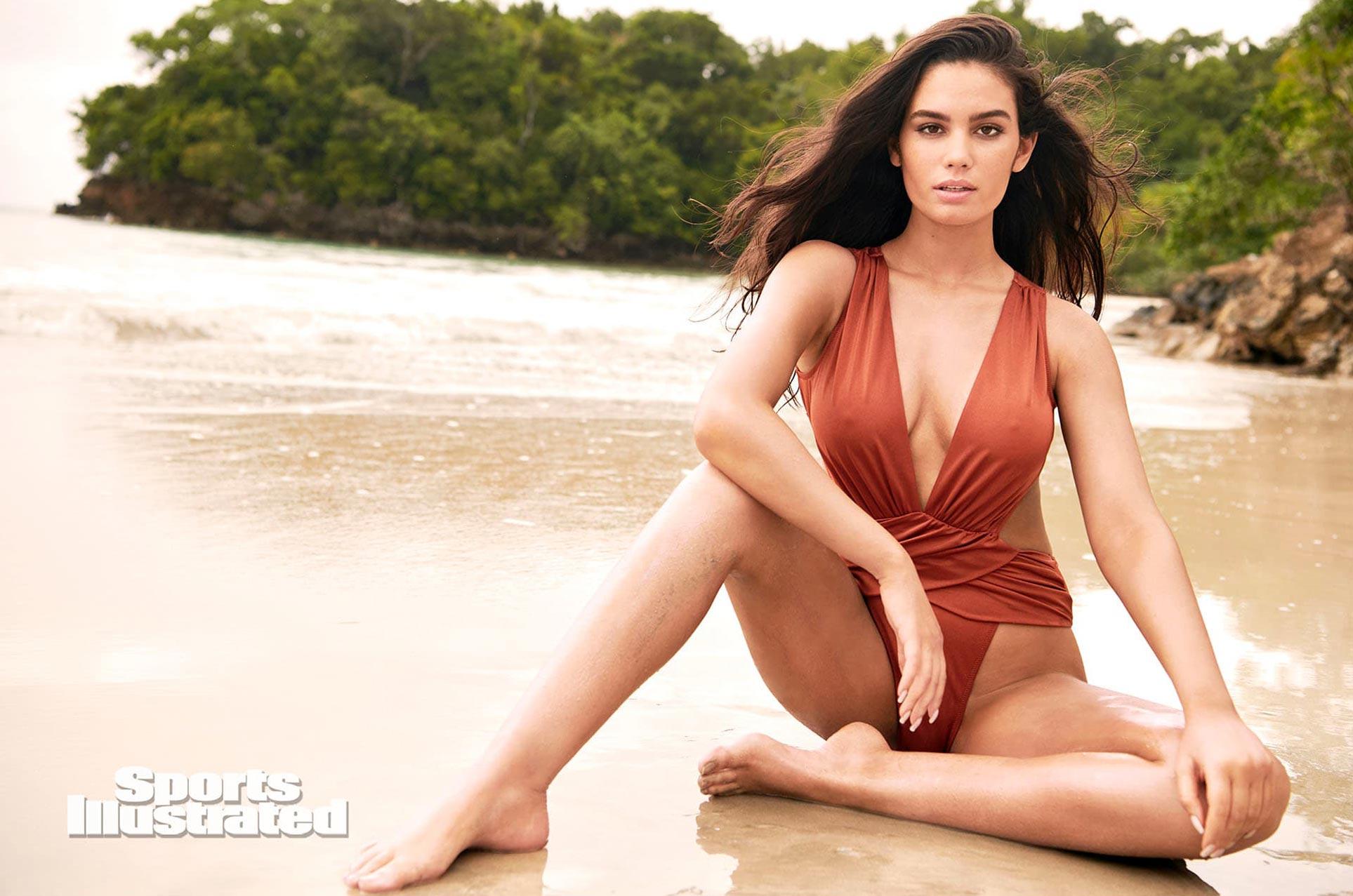 Энн де Паула в каталоге купальников Sports Illustrated Swimsuit 2020 / фото 19
