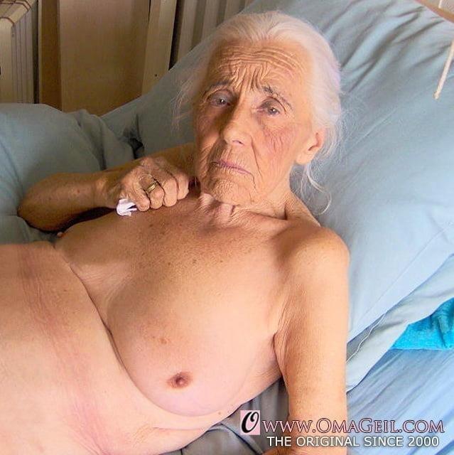 Pics naked grannies-1352