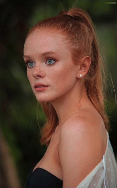 Abigail Cowen SkdatuYj_o