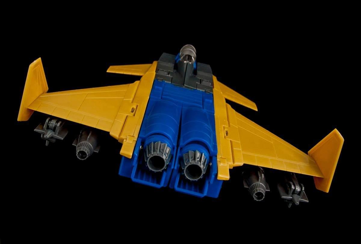 [Maketoys] Produit Tiers - Jouets MTRM-15 Endgame (aka Dirge/Funébro), MTRM-16 Jetstream (aka Thrust/Fatalo) & MTRM-17 Booster (aka Ramjet/Statoréacto) EDJz1UQT_o