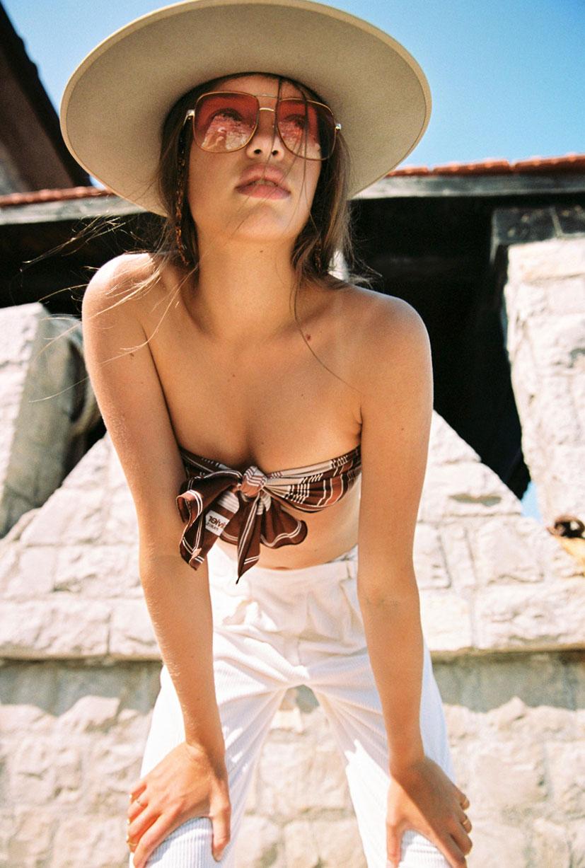 Кассандра в модных шляпках бренда Lack of Color / фото 12