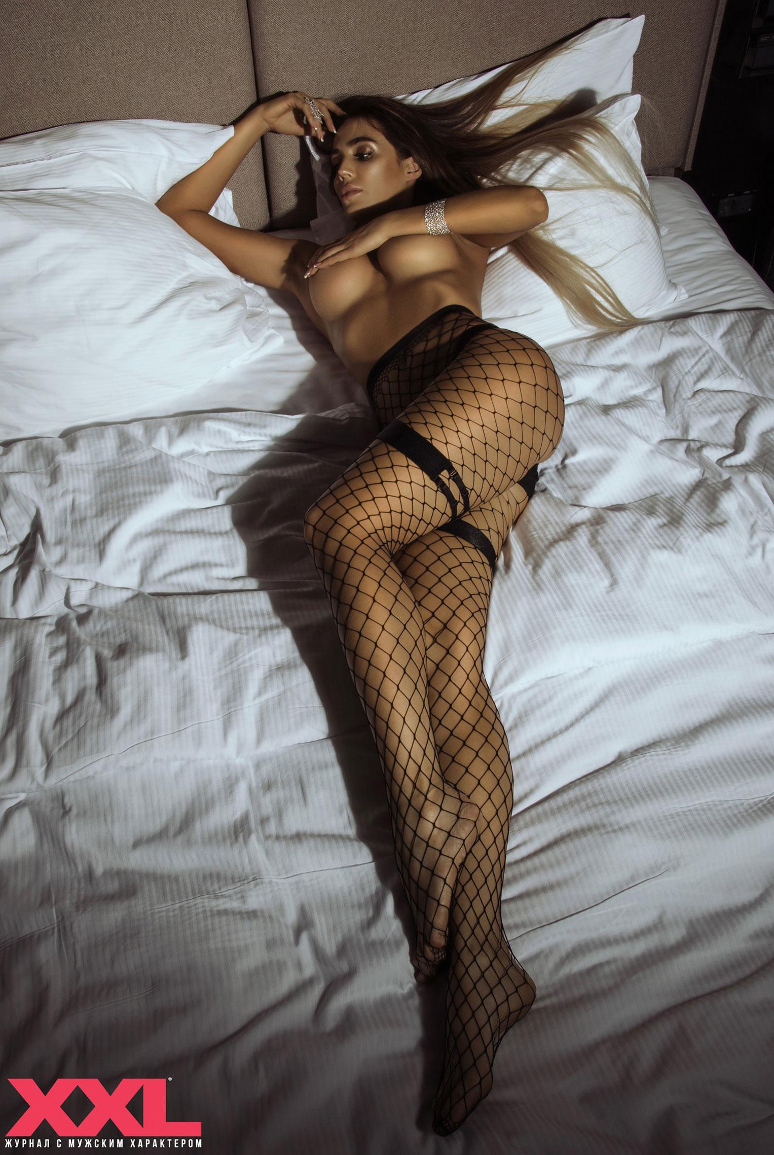 Актриса, модель и телеведущая Эмма Ди голая в мужском журнале XXL / фото 08