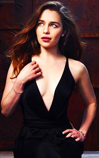 Emilia Clarke Adlb0t9n_o
