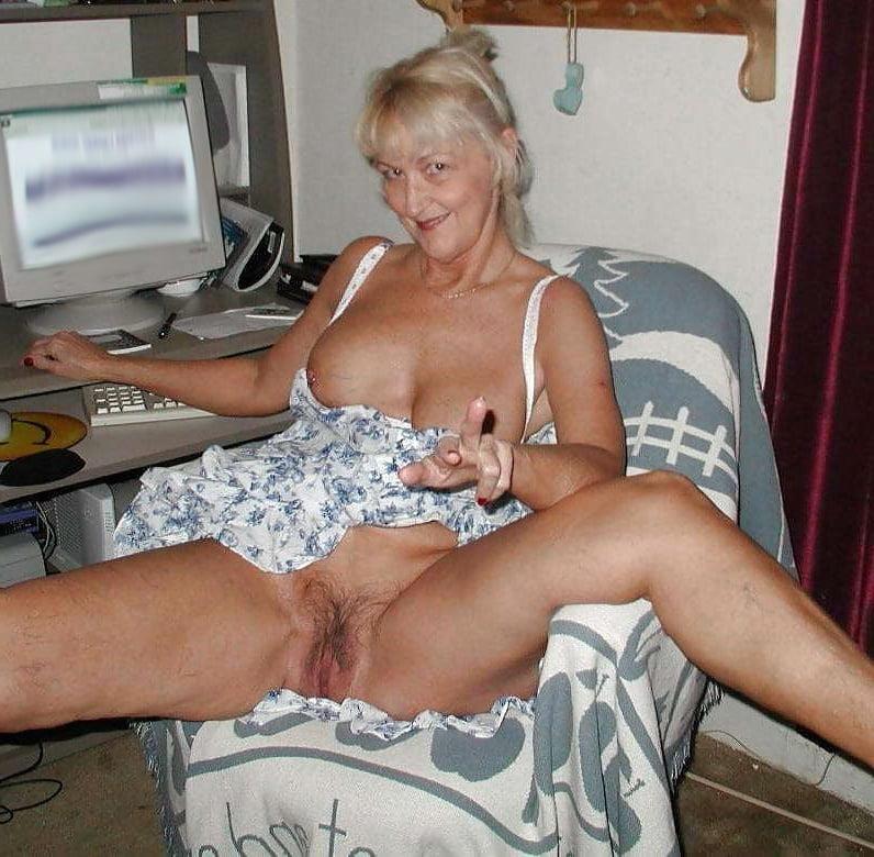 Hot mature wives pics-4055