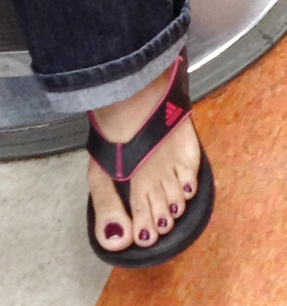 Long toes foot fetish-8339