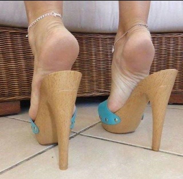 Sexy women feet porn-3563