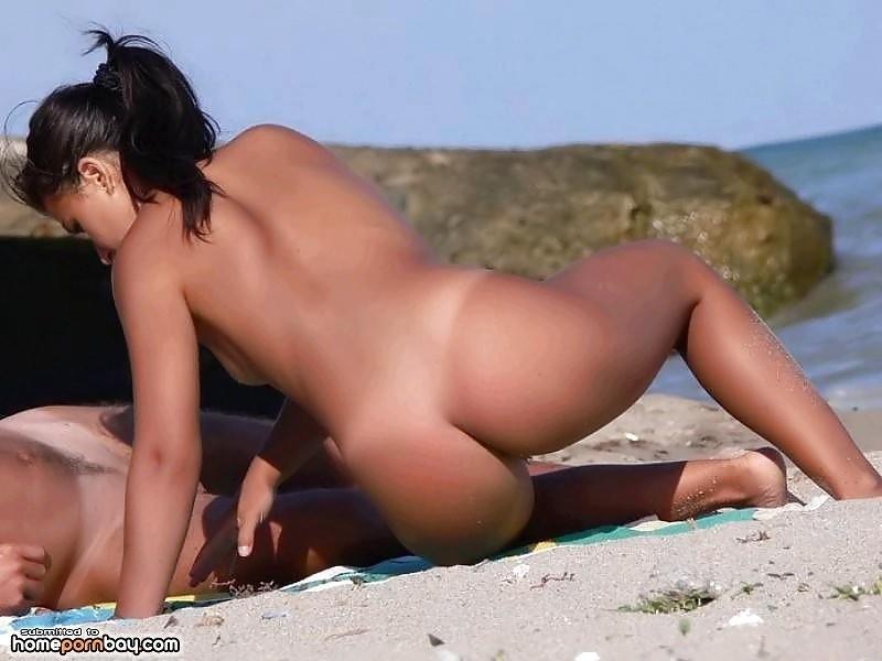 Outdoor nude babe-7936
