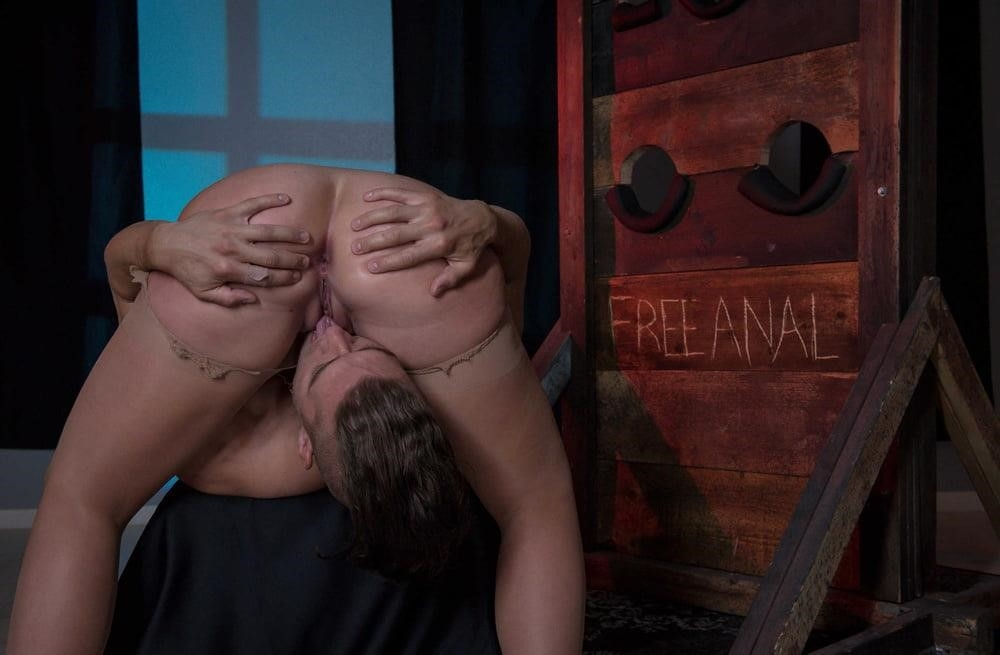 Free hot mom anal-8454