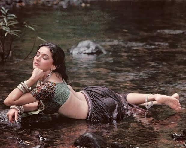 Madhuri dixit big boobs pic-2814