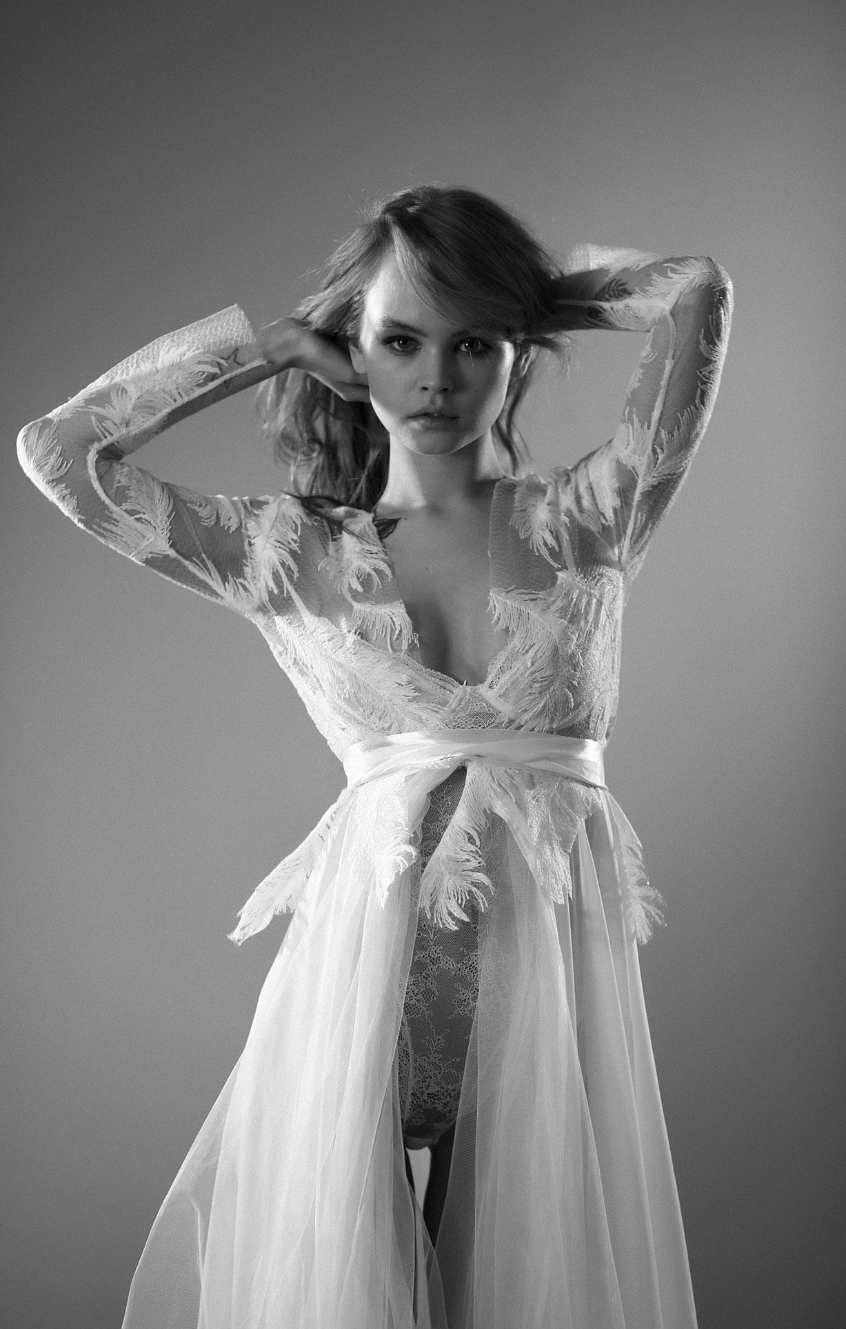 Анастасия Щеглова в нижнем белье для невесты / фото 01