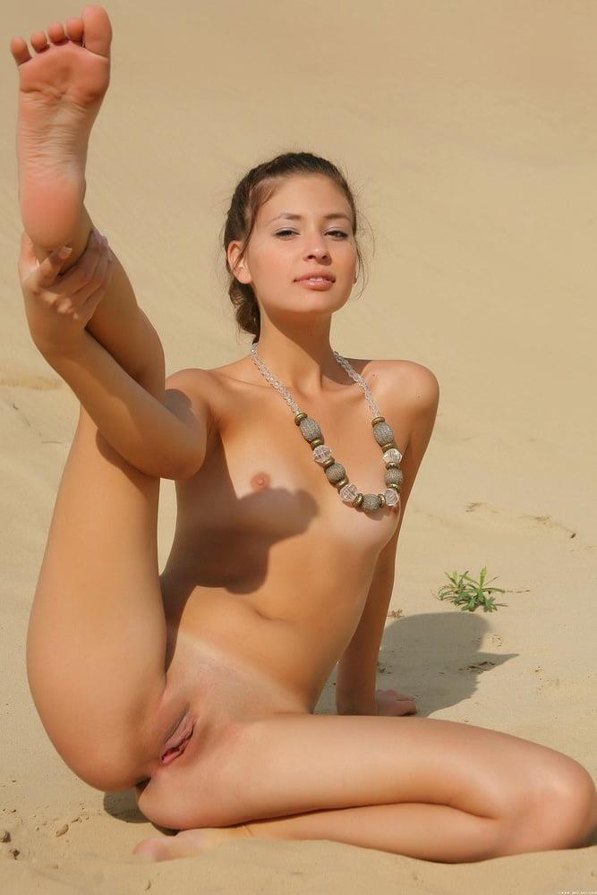 Nude girls with nice boobs-5293