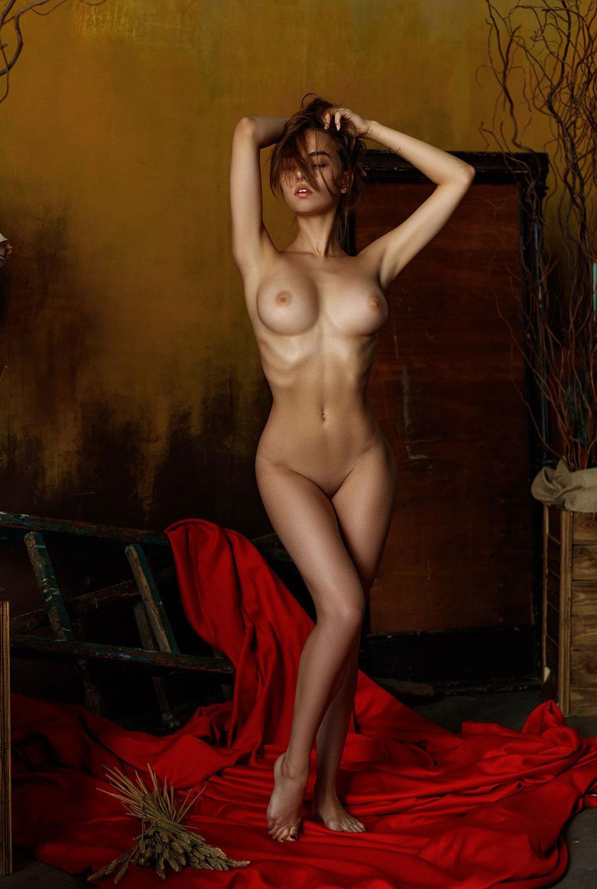 подборка фотографий сексуальных голых девушек - Екатерина Айвaзoвa (Пoдбepeзнaя) / Kateryna Ауvаzоvа