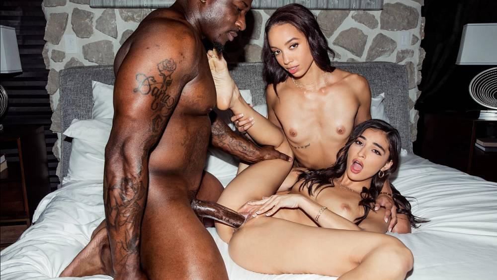 Emily Willis, Alexis Tae, Rob Piper – Peach – Blacked