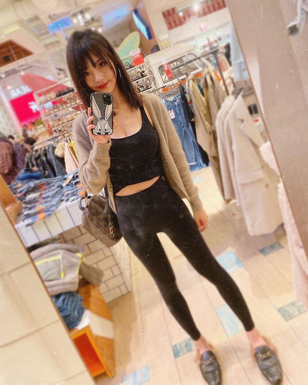 MMRd9ngU o - IG正妹—Nellie Huang