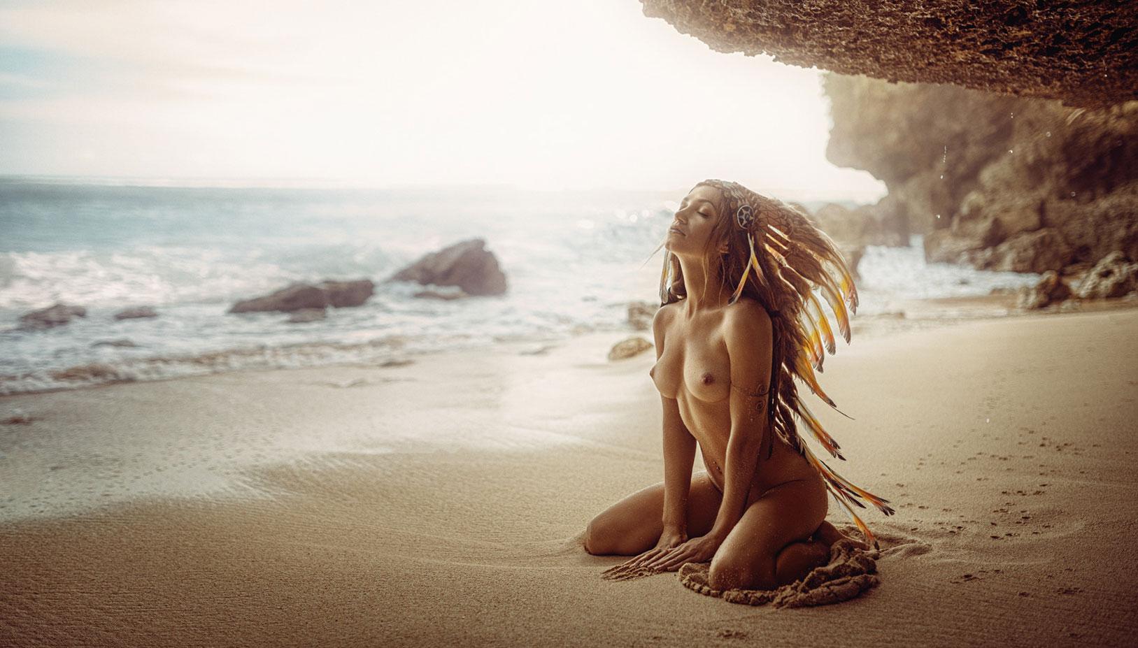 Сексуальные голые девушки на природе / фото 09