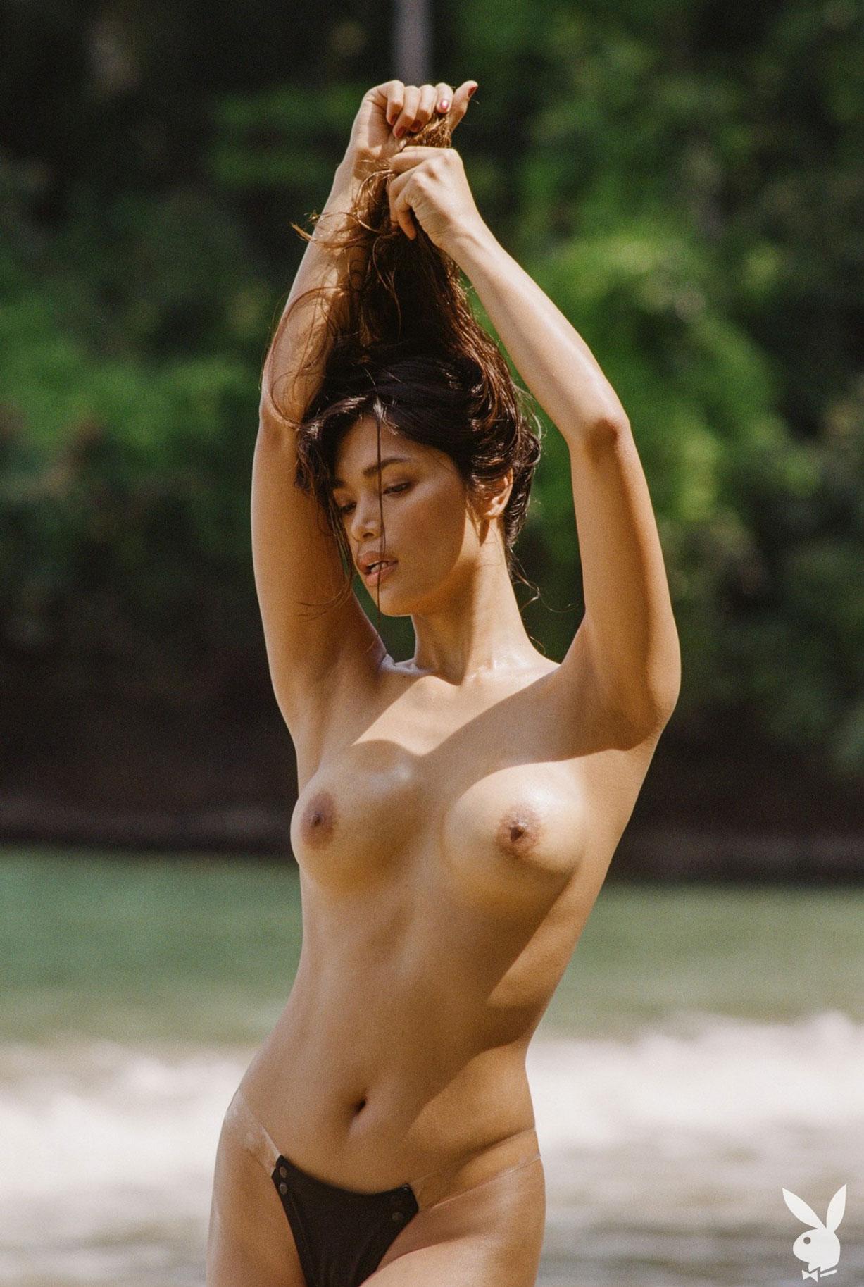 Девушка месяца Playboy США в августе 2019 - трансгендерная модель Джина Росеро / фото 26