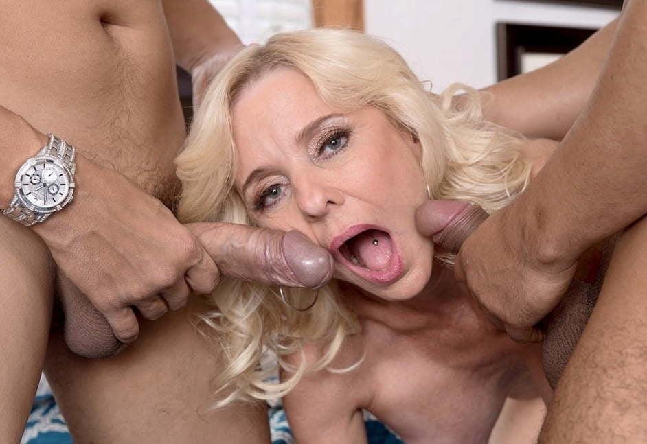 Blowjob granny pics-4135
