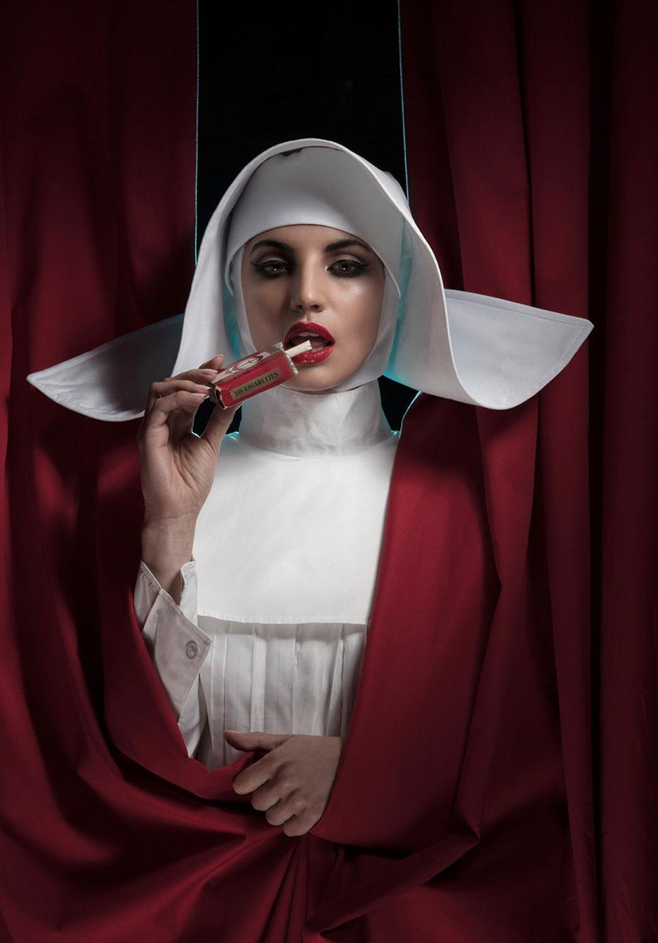 Сексуальное преображение монашки / Викки Фурнари / фото 02