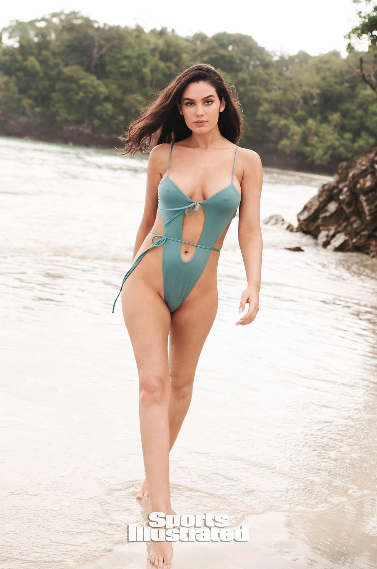 Энн де Паула в каталоге купальников Sports Illustrated Swimsuit 2020 / фото 20