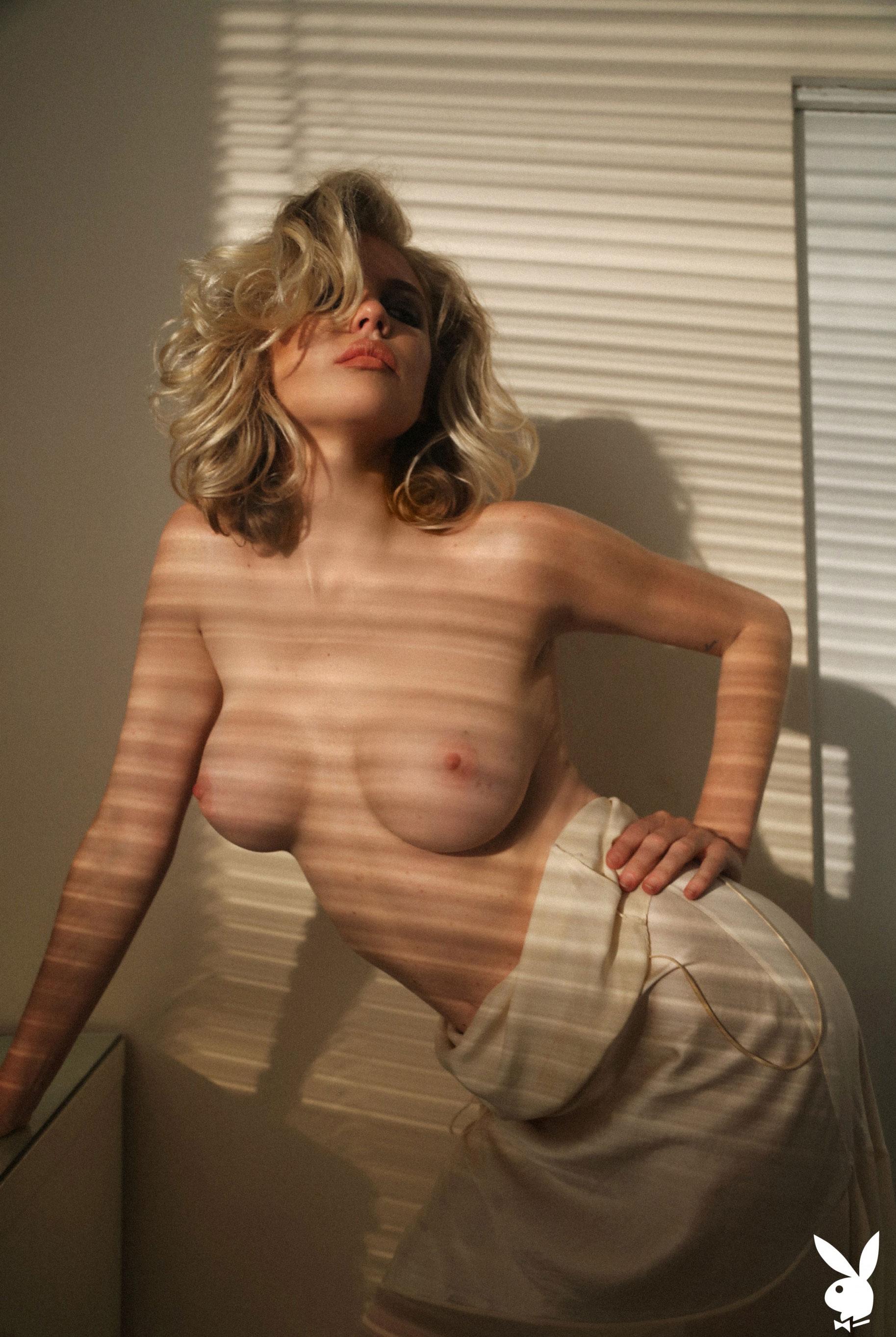 olivia-collins-playboy-nude-fucking-a-brazilian-girls-ass