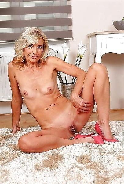Beautiful naked women making love-8178