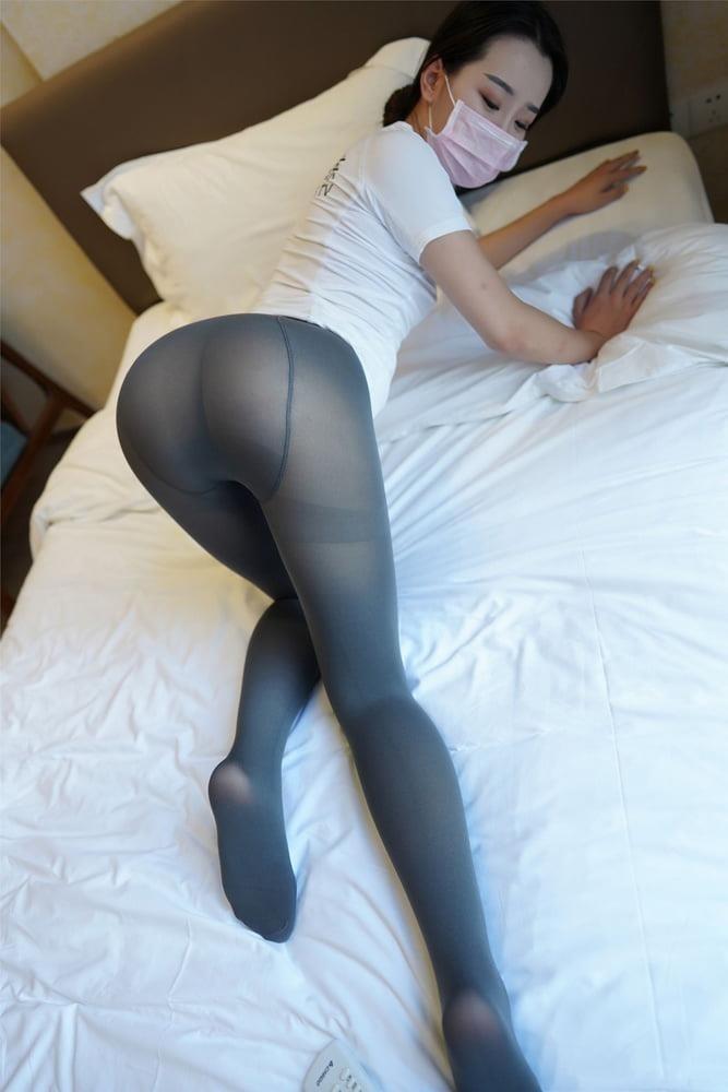 Japanese pantyhose feet-7411