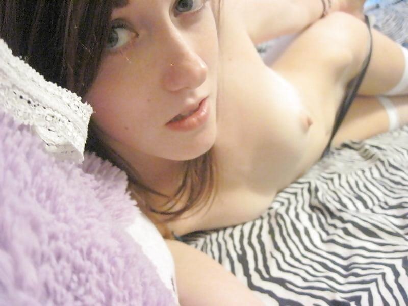 Blonde girl nude selfie-1773