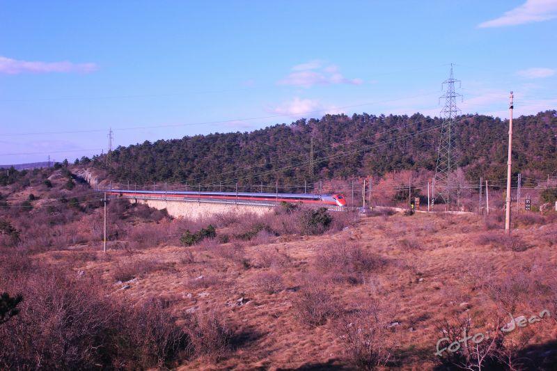 Talijanske željeznice - Rete Ferroviaria Italiana (Trenitalia, Trenord, Ferrovie Emiliane-Romagne,.....) - Page 6 I2m6Kj4A_o