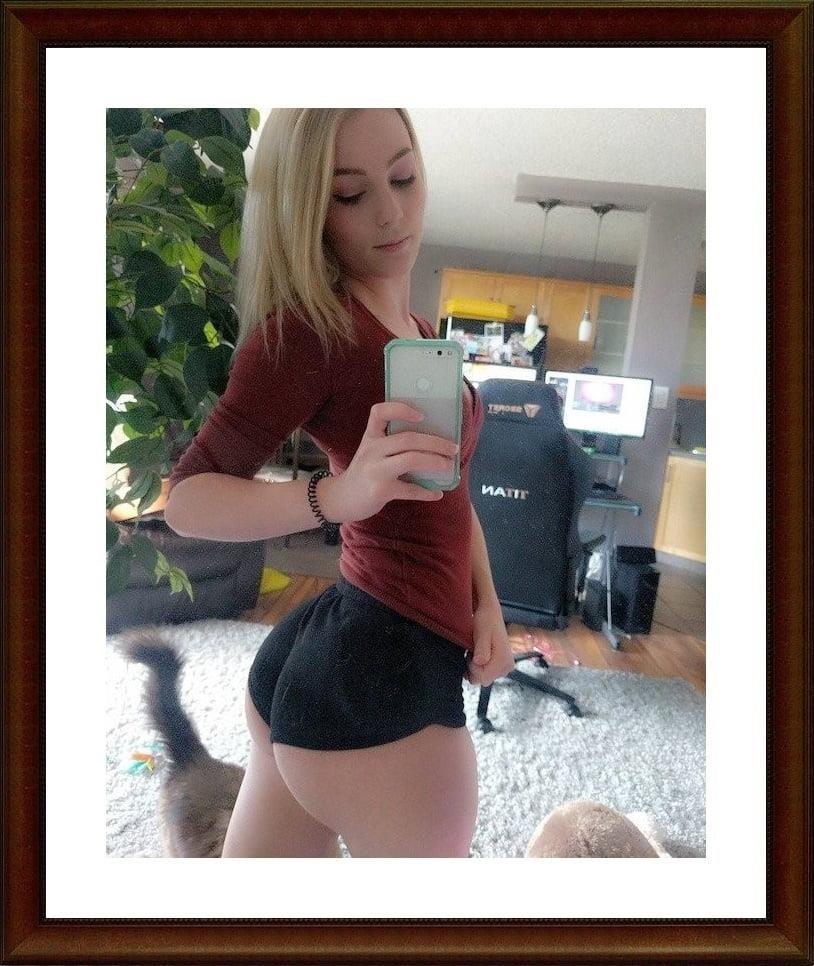 Girls taking selfies nude-2920