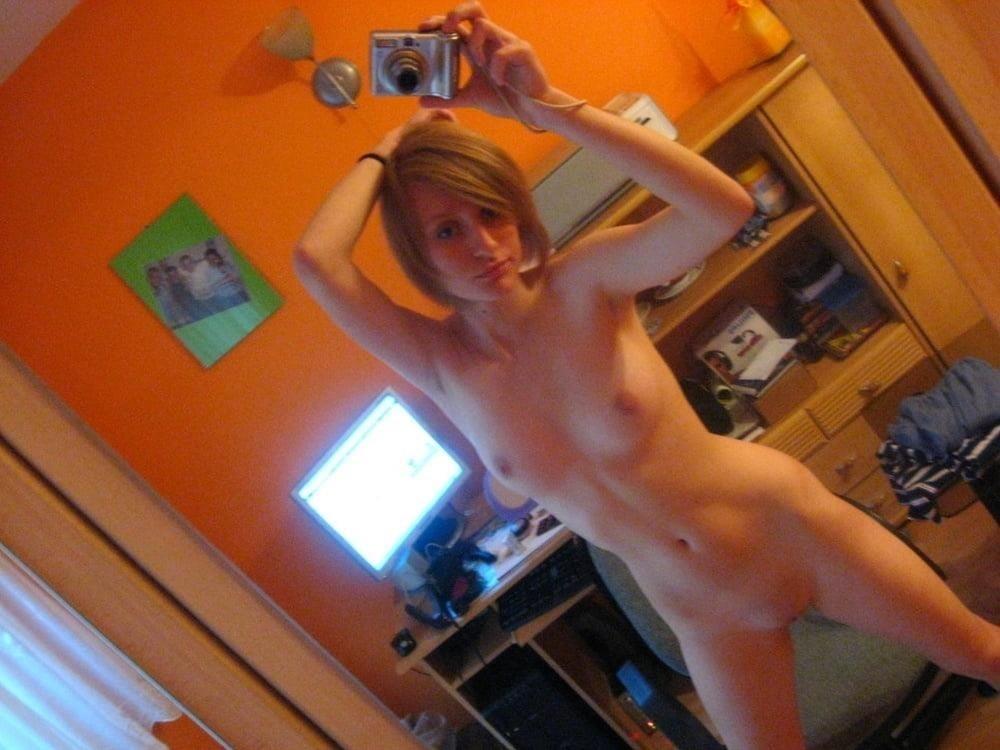 Selfie nude 18-8534