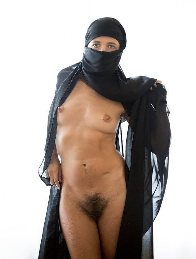 Public lesbian nude-3202