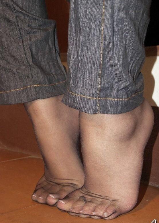 Nylon feet porn hd-7352