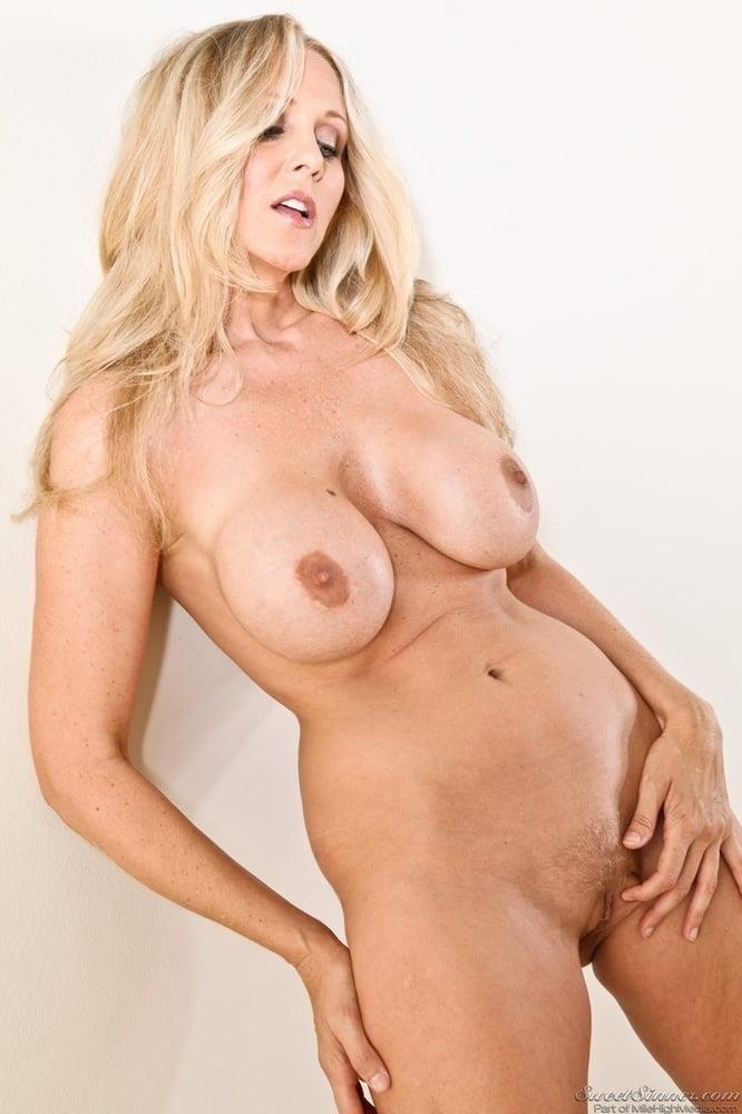 Pics of mature naked women-5925