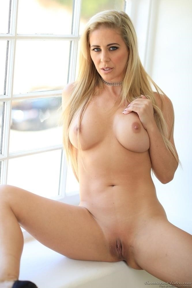 Pics of mature naked women-8586