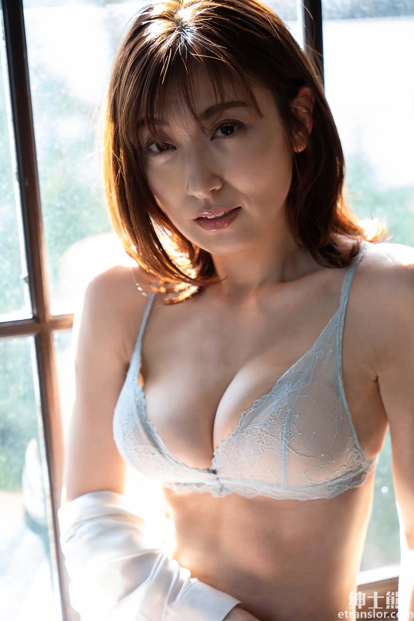 日本写真女星:熊切麻美、塩地美澄、熊田曜子三人组合岁月不改 养眼图片 第13张