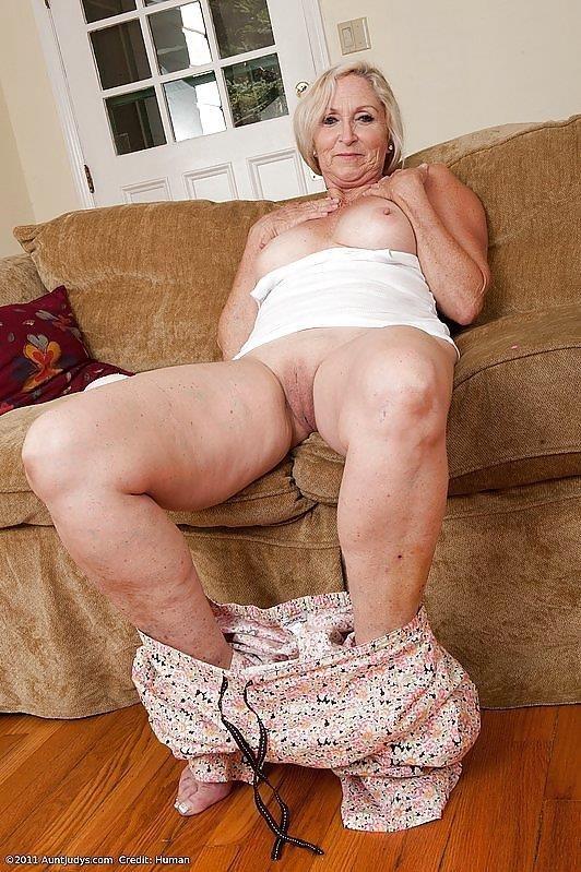 Beauty mature sex pics-6131