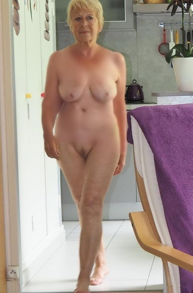 Naked granny porn-6437