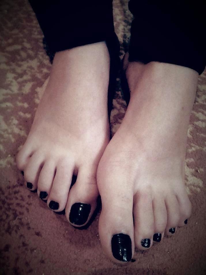Nylon feet arab-8748