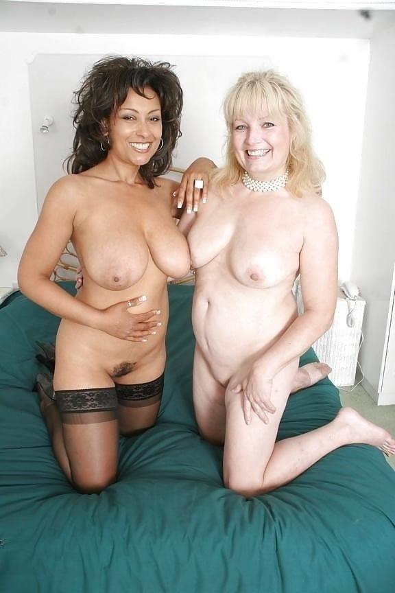 Nude mature lesbians-1948