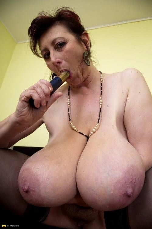 Natural tits nipples-3662