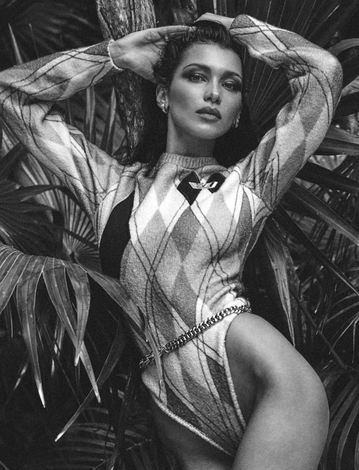Bella Hadid by Chris Colls - Vogue Mexico / Latin America july 2018