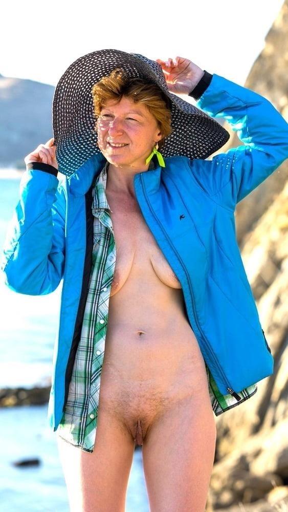 Porn pics mature amateur-6964
